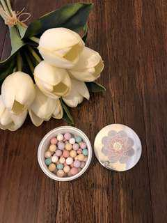 Guerlain Meteorites Revealing Pearl of Powder, color: 2 Clair, 25g, made in France. Never used, lost box, a gift from friends.