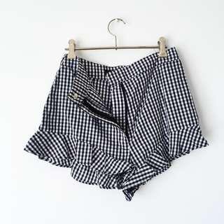 Gingham Shorts w/ Frill and Zip