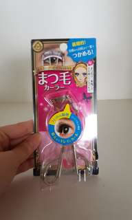 Heroine Make Eyelash Curler