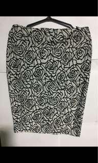 Classy pencil cut skirt