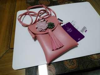 日系 I·LEY 伊蕾 粉色 小花小鳥裝飾 側背包 斜背包 手機包