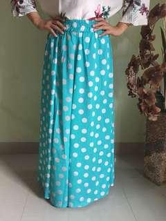Polkadot wide skirt