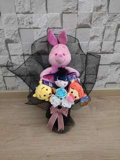 Piglet Winnie the pooh tiger amd Eeyore rose bouquet