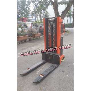 Semi Powered Stacker 2 ton, 2meters