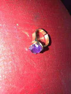 Antique solid gold ring purple stone
