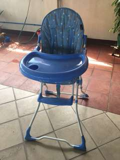 Pre-loved BABY HIGHCHAIR IN VERY GOOD USED CONDITION