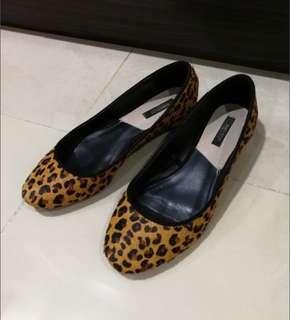 Zara women leopard print flats