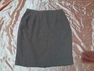 Gray / mud like color highwaist skirt (office)