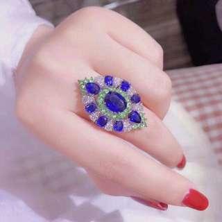 香港預展 18k沙佛萊藍晶鑽石戒指