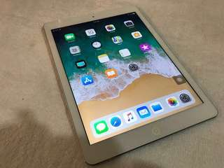 iPad Air 32 GB (Wi-Fi + Cellular)
