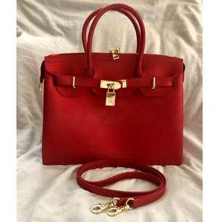 Beachkin Bag in Matte Red