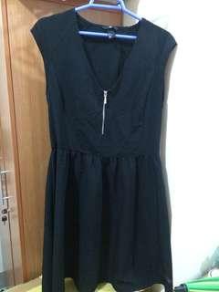 H&M Plus Size Zip-Up Black Dress