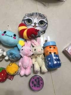 🚚 小吊飾小娃娃堆16件組