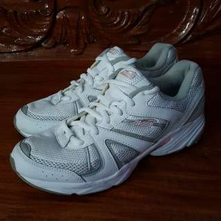 Avia White Rubber Shoes