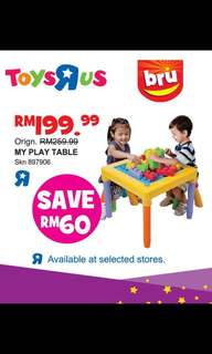 Toy R US kid desk & chair set