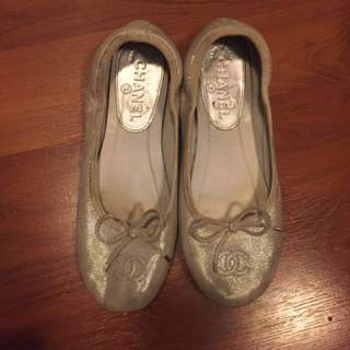 Chanel silver flats - authentic - size 35.5