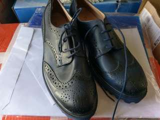 Womens vintage navy shoes