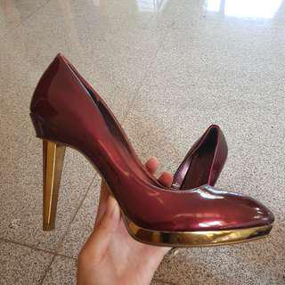 Burgundy pointed heels