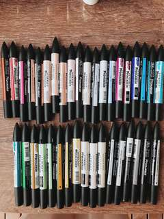 37 PRO-MARKERS IN DIFFERENT COLORS AND SHADE