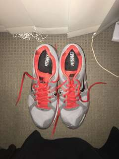 BRAND NEW NEVER WORN 2013 NIKE PEGASUS 28 TRAINERS GOING CHEAP
