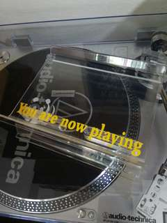 Vinyl Record 'Now playing' Stand