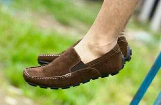 Sepatu santai casual