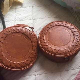 Tassel round sling bag (brown only)