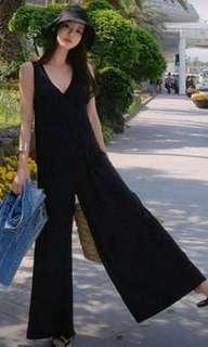 🚚 黑色低領棉質寬長褲裙