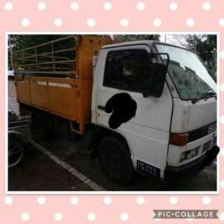 Lorry Isuzu NHR 1 ton