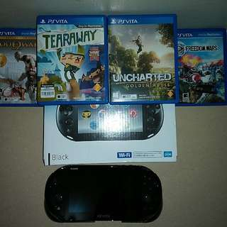 Ps Vita + contoller adaptor + 4 games