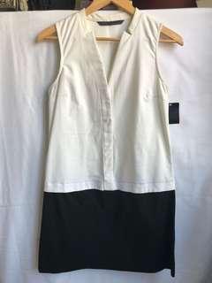 Brand new with tag on white and black dress from Zara size S