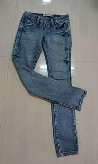 🚚 Jeans 牛仔褲