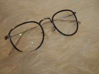 roundable kacamata linda farrow vs yohjiyamamoto