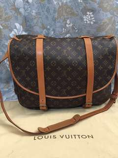 LOUIS VUITTON SAUMUR 42❌SOLD❌
