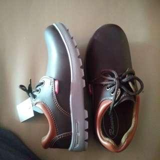 Sepatu ranvoll mini boot cewek / cowok size 36