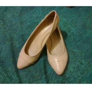 Parisian Plus Heels (Cream)