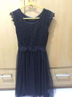 Dress hitam rajut