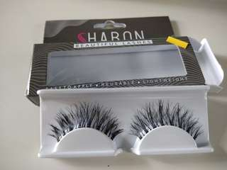 Fake eyelashes. [Sharon.Zhu]