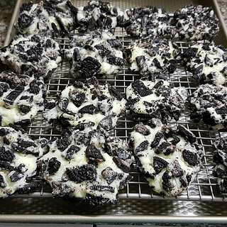 Oreo Cream Cheese Cookies
