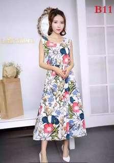白色花朵洋裝