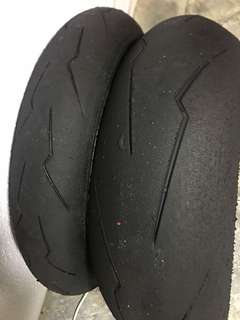 Pirelli Supercorsa Sc1 size 200 rear 120 front. Good for 1000cc bike. Cash and carry