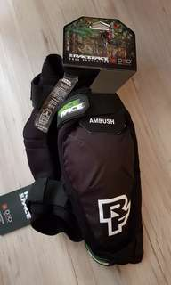 Raceface ambush knee guards