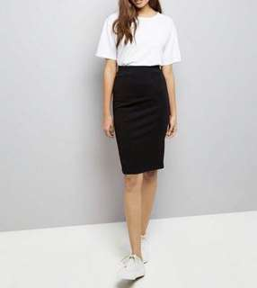 Take both for Php350 Black Textured Pencil Skirt