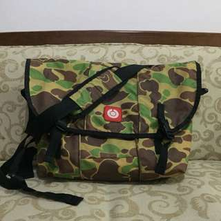 Tas Distro Ouval Research / Sling Bag