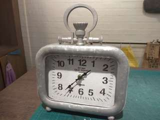 Table Clock - vintage