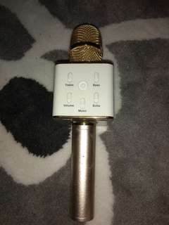 Q7 Bluetooth Microphone