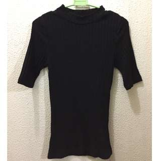 Cotton On black 3/4s ribbed mock neck top