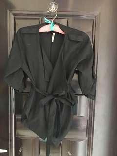 🚚 黑色 時尚翻領綁帶 薄風衣