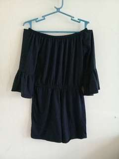 Offshoulders jumpshort