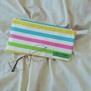 Pouch serbaguna / pencilcase / pouch atk /tempat pensil katun handmade dengan motif lucu,  imut dan unyu.